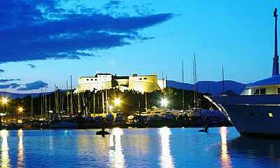 Antibes/ Juan-les-Pins - Array